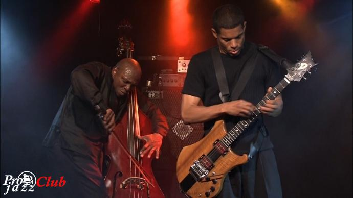 2009 Stanley Jordan Trio - New Morning: The Paris Concert [BDrip 720p]